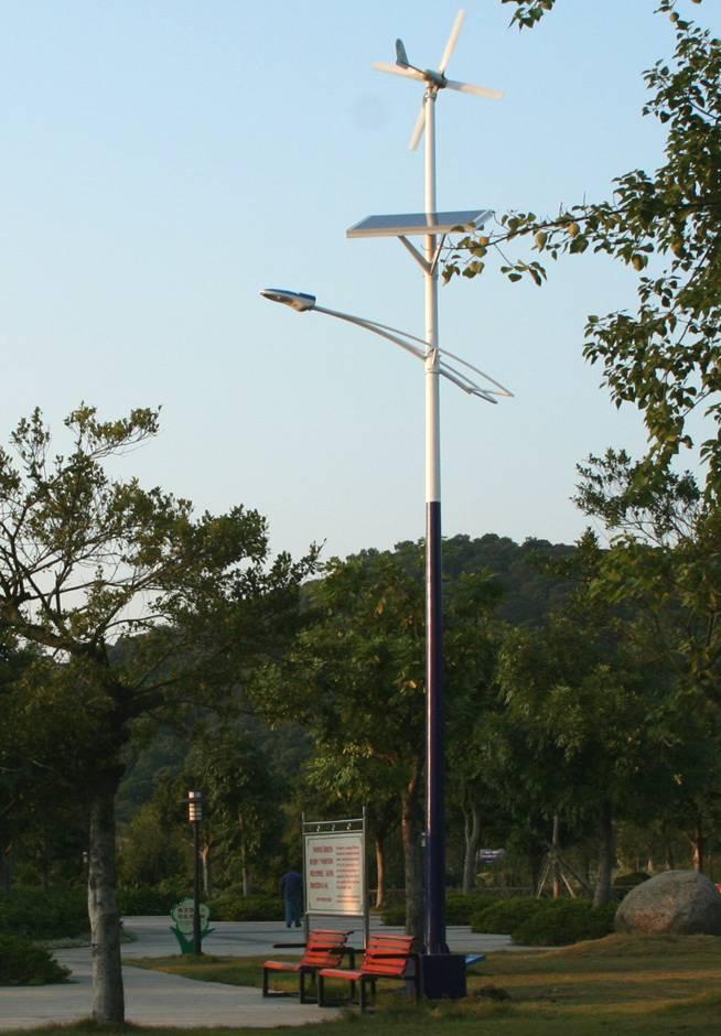 (风光互补路灯照明系统图片),风光互补路灯照明系统样板图,风光互补路灯照明系统产品图信息来自北京众合劲拓新能源科技有限公司 http://zhonghejintuo.cn.qiyeku.com。更多 风光互补路灯照明系统 信息上企业库 qiyeku.com 查找。